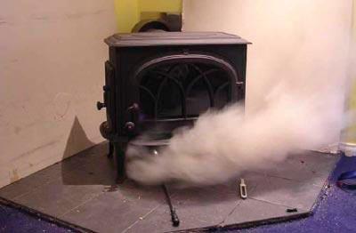 Дым идет в дом
